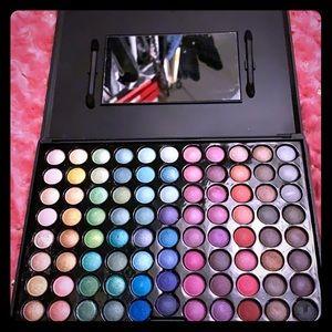 Eyeshadow pallete 🌺